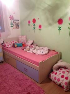 הקיר הגדול לפני. בהחלט מתאים לילדה.... הגיע הזמן להעלות דרגה ולהתבגר יחד איתה.