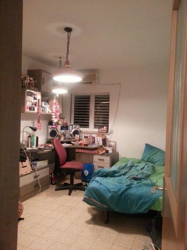 החדר של דור כפי שנראה ביום הפגישה הראשונה.