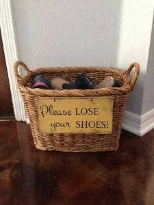 מתאים לבתים בהם כולם נדרשים לחלןץ נעליים. www.etsy.com