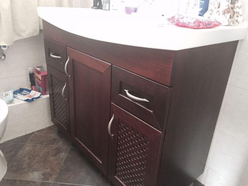 ארון אמבטיה ילדים לפני