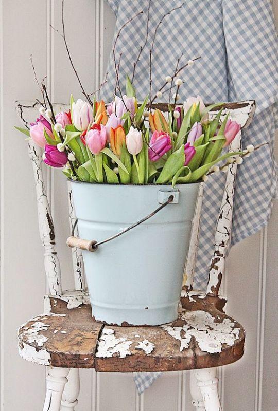 פרחים לא רק על השולחן. www.housebeautiful.com